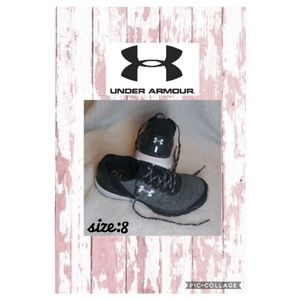 Woman Under Armour Running Shoes